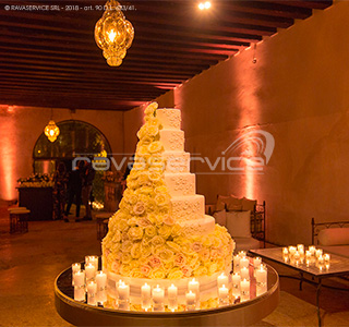 wedding cake ricevimento matrimonio illuminazione party
