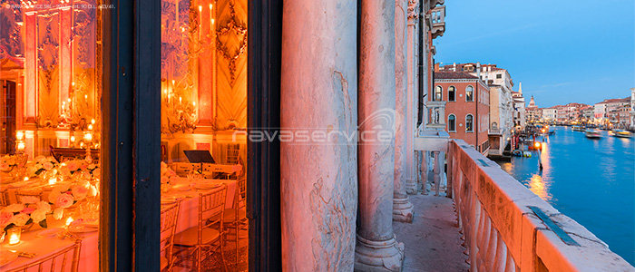 wedding lights Venice Palazzo Pisani Moretta night