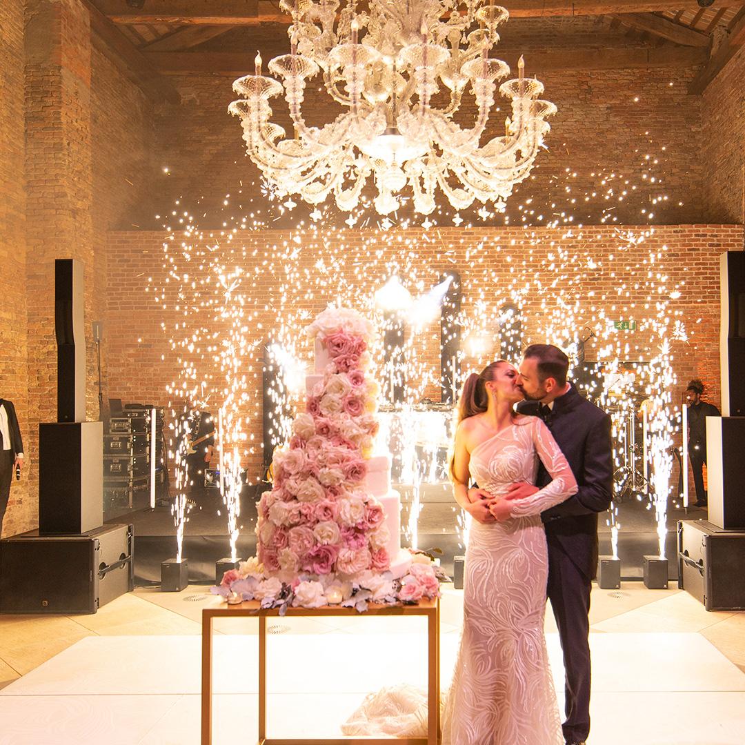 luci per matrimonio scintille luminose taglio torta weddingcake