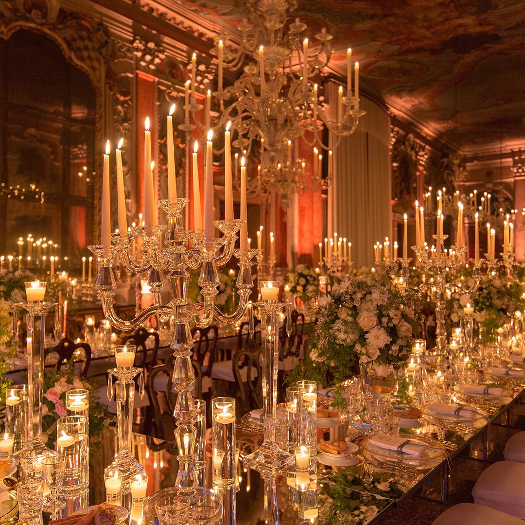 Come illuminare i tavoli di un matrimonio idee