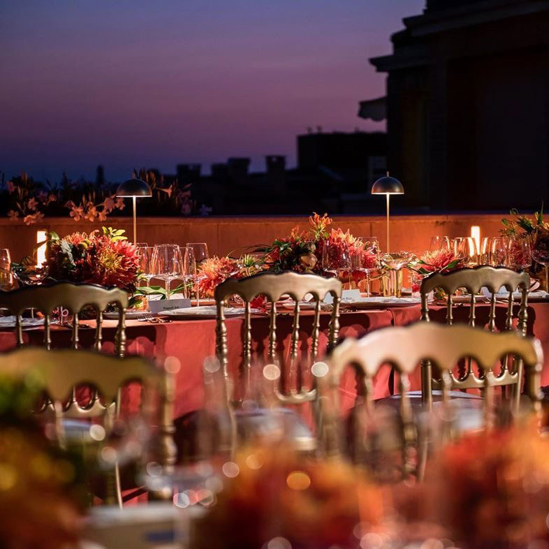 Come illuminare i tavoli di un matrimonio consigli